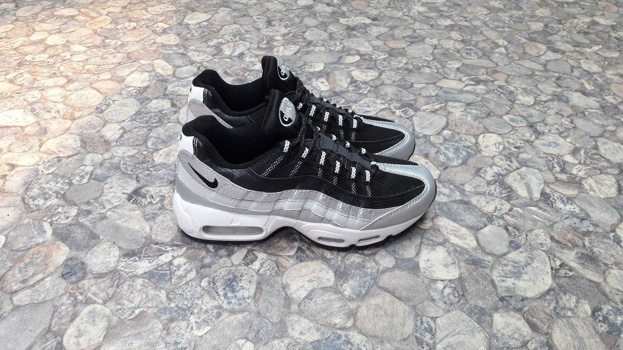 Купить кроссовки Найк   Nike Air Max 95 QS Metallic Platinum Black ... 6f5ae1d5d8f